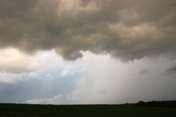 Storm approaches by Bruce Stambaugh