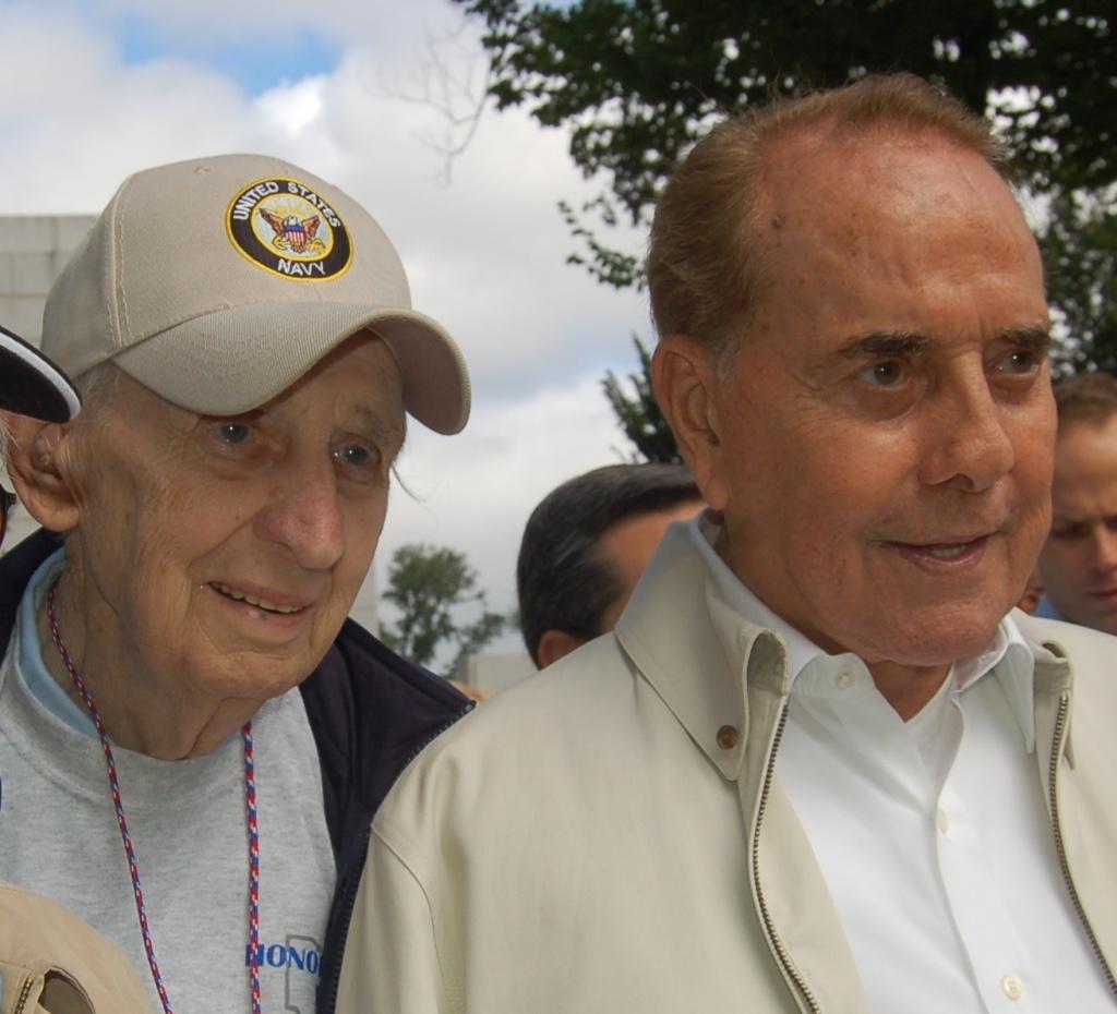 Bob Dole, WW II Memorial