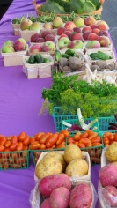 A Farmers' Market is held twice weekly at Lakeside.