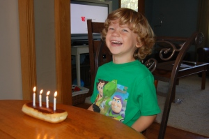 birthday candles, birthday cakes, cream sticks