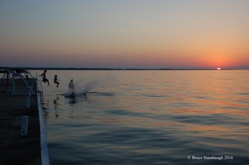 kids swimming, summertime