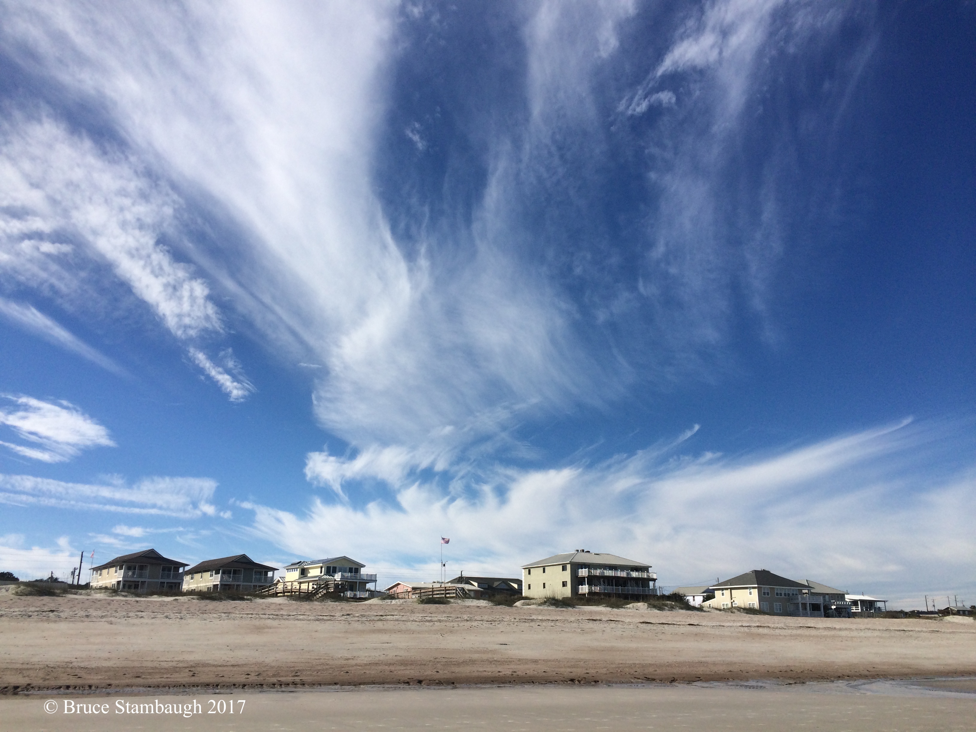 cirrus clouds, beach